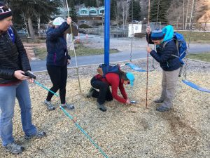 Practicing Companion Rescue in woodchips ©Angela Hawse