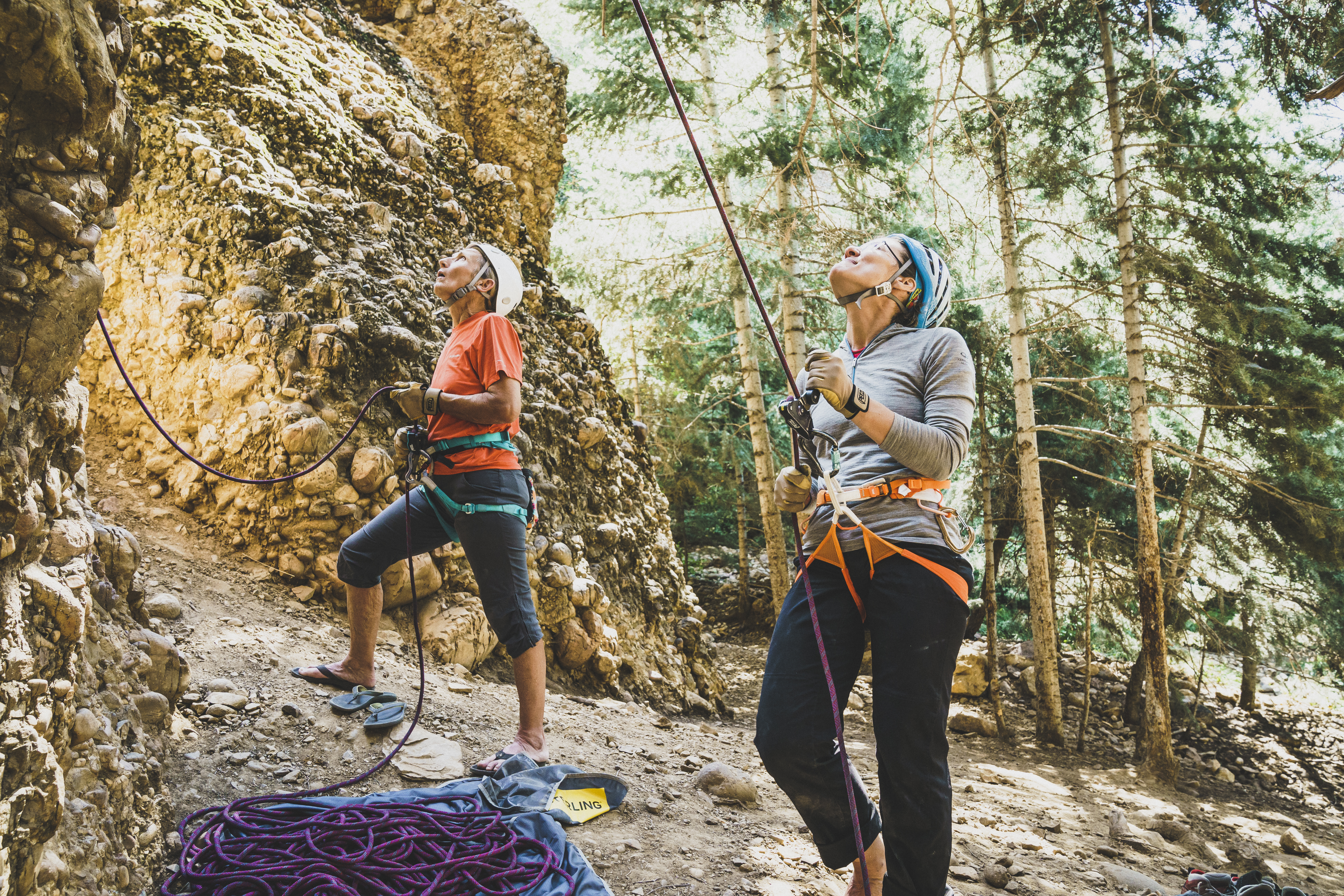 How to be the world's greatest climbing partner? It takes practice. Chicks participants learn how to belay attentively during 2017 Chicks Maple Canyon Clinic, Utah© Louis Arvevalo