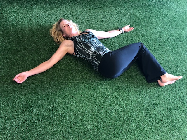 mobility exercises - back lying twist